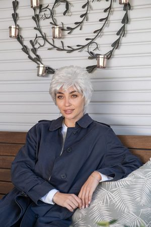 Short comfy feel lifting style wig